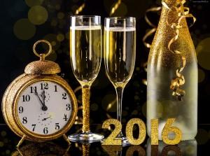 242509_nowy_rok_2016_szampan_kieliszki_budzik